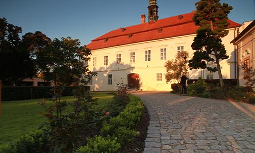 Zámek v Litni